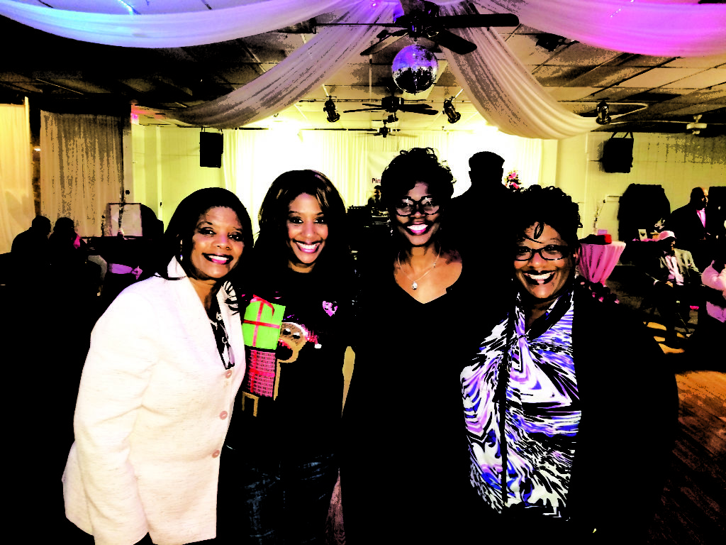 Mother Johnetta Smith and daughters Kellye and Tiffany Smith and Felicia' Pratt